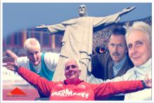 Collage: Marianne Buggenhagen mit ausgebreiteten Armen vorm Cristo Redentor in Rio de Janeiro in der Bildmitte, rechts im Sportstadion mit ihrem Mann Jörg, links in Aktion beim Diskuswerfen
